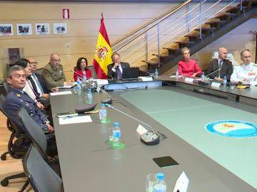 La ministra de Defensa niega que el CNI haga informes políticos