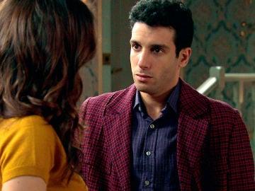 Ignacio se disculpa con María por sus celos