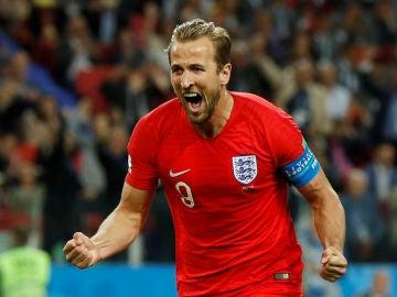 Harry Kane celebra su gol con Inglaterra