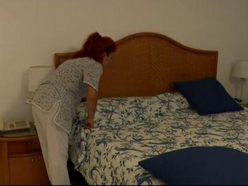 La mitad de los hoteles no evalúa el riesgo laboral de sus camareras de piso