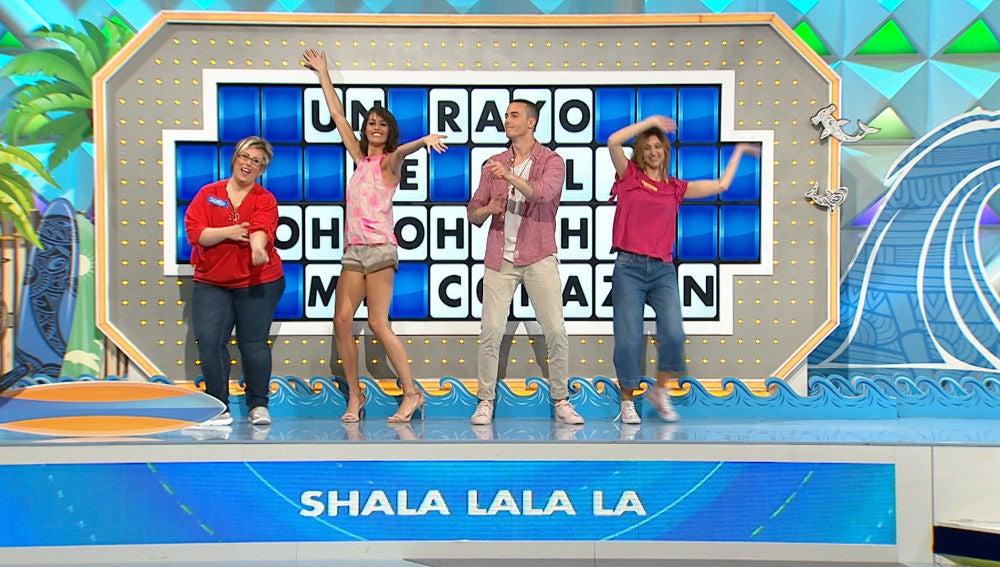Los concursantes de 'La ruleta de la suerte' se enfrentan a la canción del verano