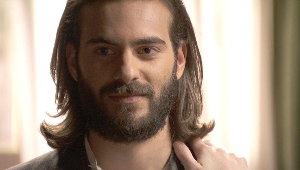 Isaac recuerda el momento en el que se enamoró de Elsa