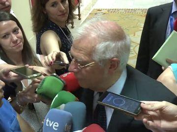 """Borrell, ante la posibilidad de que Sánchez y Torra hablen del referéndum: """"¿Por qué no se va a poder hablar de todo?"""""""