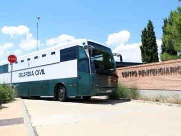 Furgón que traslada a los presos catalanes
