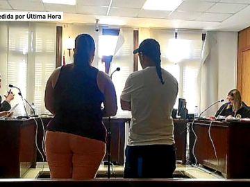 Unos padres, condenados a 1 año y medio de cárcel por atar a su hija a una silla para que les viera practicar sexo