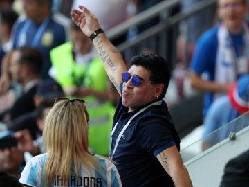 Maradona, durante el partido de Argentina contra Francia
