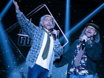 Pablo Motos y Santiago Segura cantan en directo una versión muy especial de 'My Way'