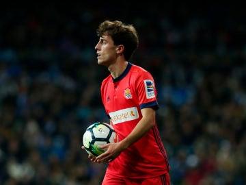 Álvaro Odriozola, en un partido con la Real Sociedad
