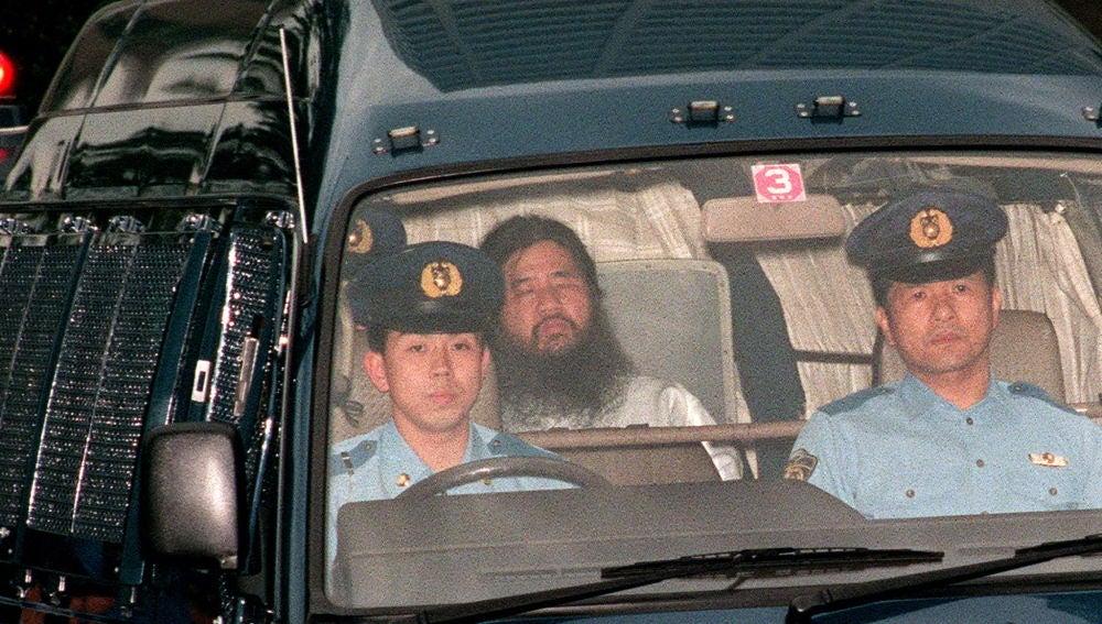 Japón ejecuta al fundador de la secta que atacó con gas sarín el metro de Tokio