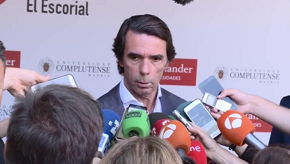"""Aznar pide a Santamaría y Casado que sean """"conscientes"""" de que hay que refundar el PP para """"combatir el separatismo"""""""