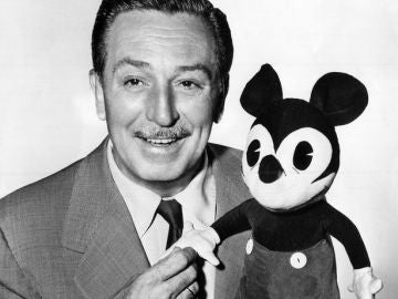 Walt Disney con Mickey Mouse