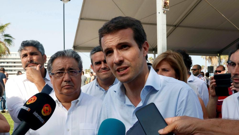 Antena 3 Noticias Fin de Semana (15-07-18) Cruce de declaraciones entre Casado y Santamaría por la no celebración del debate antes del Congreso del PP