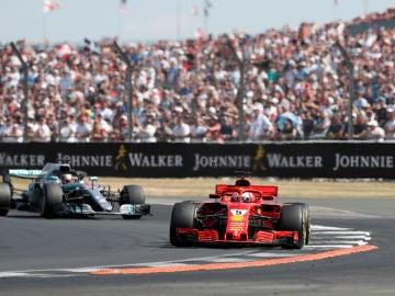 Vettel, por delante de Hamilton en Silverstone