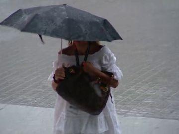 Los avisos por tormentas y fuertes lluvias se trasladan este lunes a Cataluña