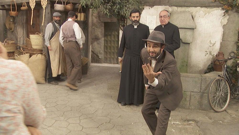 La gran adaptación de Onésimo de 'Padre Nuestro' con baile incluido