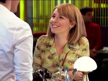 Arturo le propone a Luisita que pose para ella