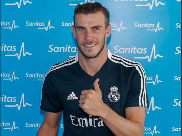 Gareth Bale pasando el reconocimiento médico