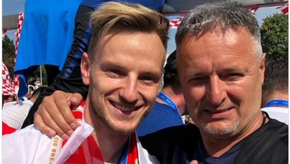 Rákitic con Marko Perkovic tras el Mundial