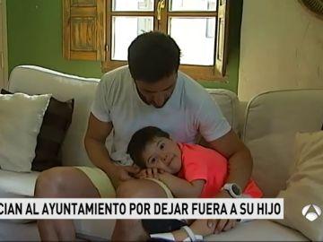 Unos padres denuncian al Ayuntamiento por dejar fuera del campamento de verano a su hijo con Síndrome de Down
