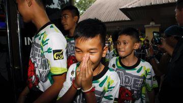 Los doce niños rescatados del interior de una cueva ne Tailandia