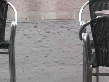 Una tormenta inesperada deja más de 10 litros por metro cuadrado en Valladolid