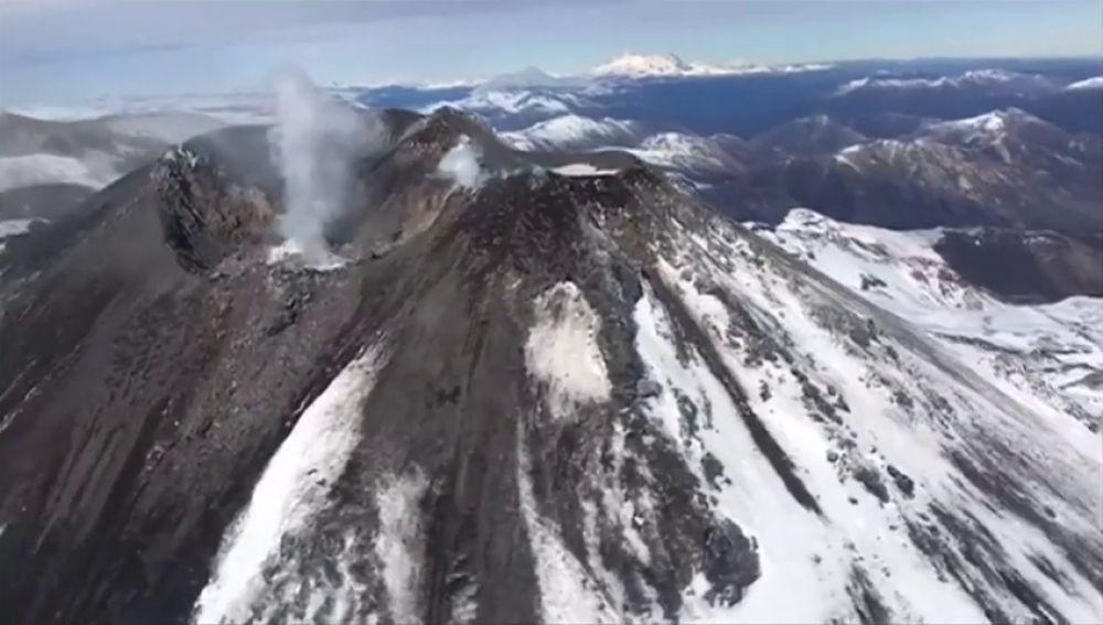 Aumenta la actividad del volcán Chillán, en Chile