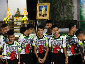 Los doce niños rescatados del interior de una cueva en el norte de Tailandia