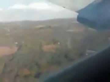 Un pasajero graba los últimos minutos de vuelo, desde el interior del avión, antes de estrellarse en Pretoria