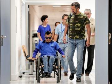 El doctor Pedro Cavadas ha reconstruido una separación completa de la columna vertebral y la pelvis