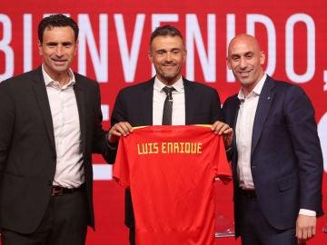 """Jugones (19-07-18) Luis Enrique, presentado como seleccionador: """"Tengo ganas de dar mi primera lista, habrá sorpresas seguro"""""""
