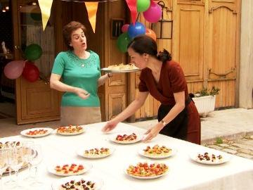 Manolita prepara una fiesta para Pelayo