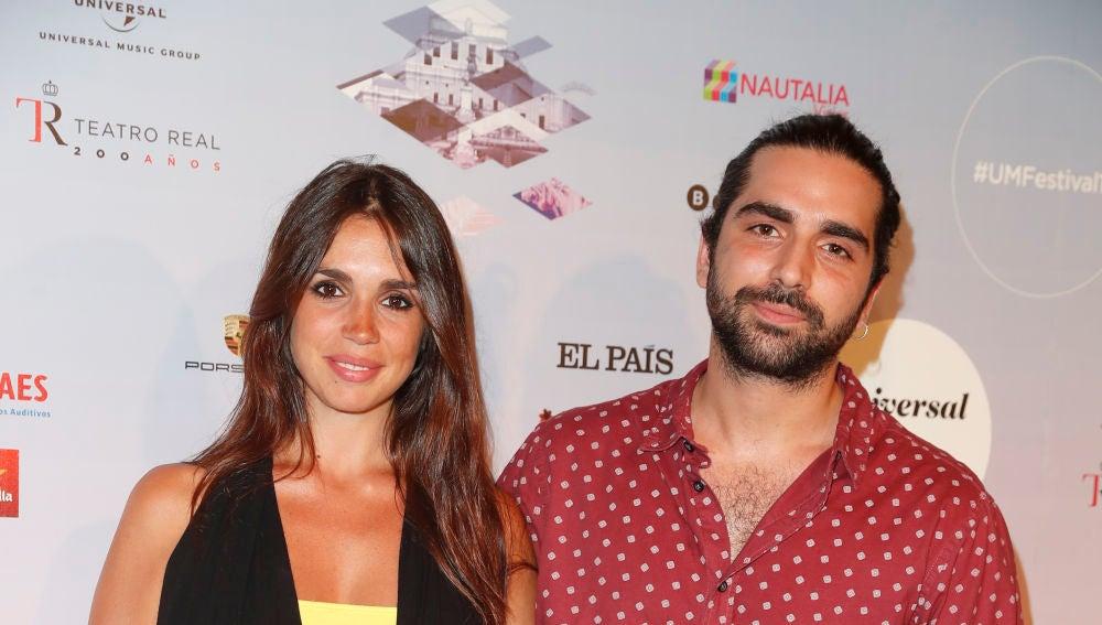 Elena Furiase junto a su hermano Guillermo