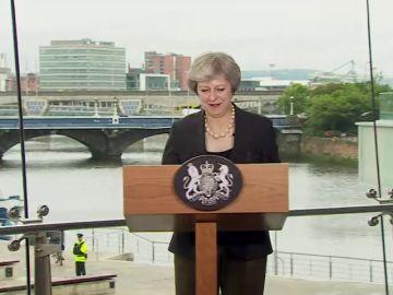 """May pide a la UE que """"evolucione"""" su posición para lograr acuerdo de salida"""