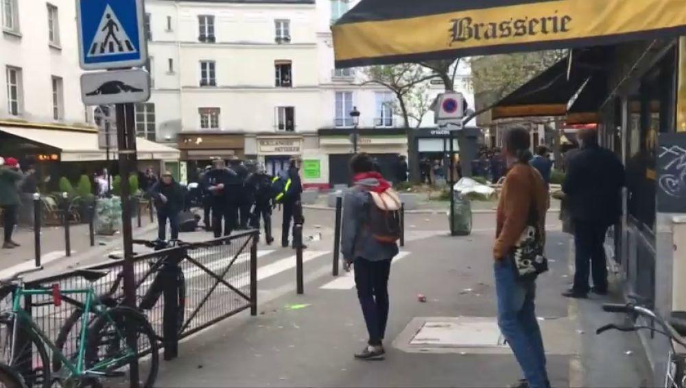 Detenido el jefe de seguridad de Macron que se hizo pasar por policía y golpeó a manifestantes