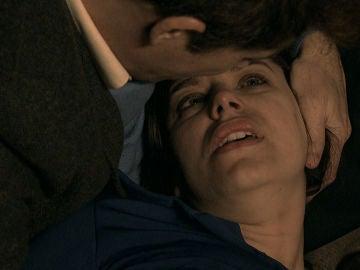 """Marta susurra: """"te quiero"""", mientras agoniza en los brazos de Durán"""