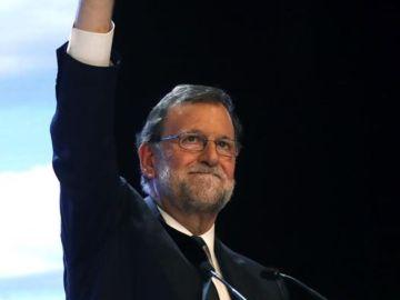 """Noticias 2 Antena 3 (20-07-18) Rajoy reivindica su labor frente a los independentistas y la crisis económica: """"Dejamos una España mejor"""""""