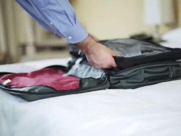 Una encuesta revela que los españoles encuentran imprescindible llevar jamón ibérico en su equipaje