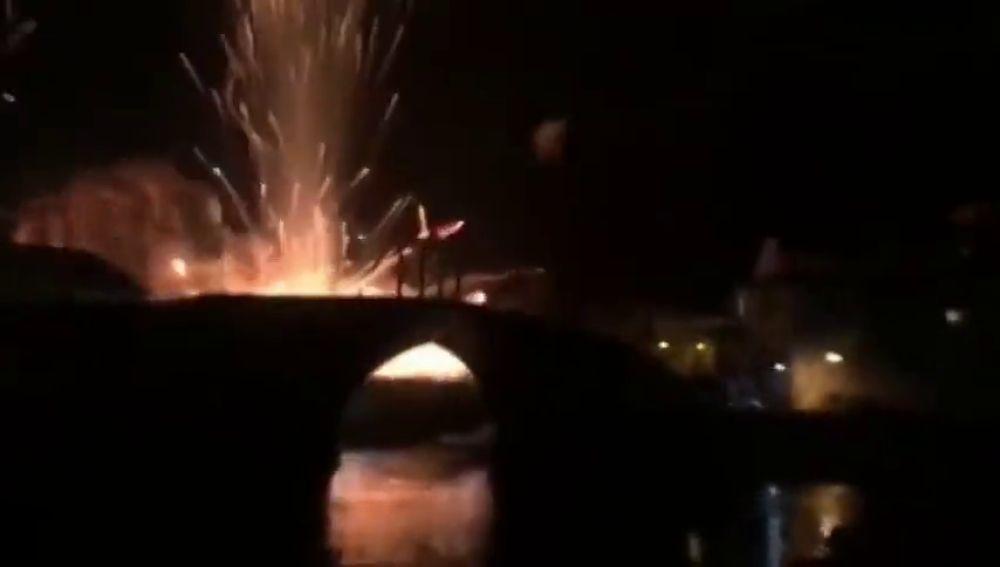 Una veintena de personas resultan heridas leves en una explosión pirotécnica en Cangas de Narcea (Asturias)