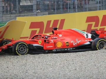 Vettel, al muro