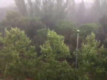 Una fuerte granizada descarga esta tarde sobre el Vallès Occidental