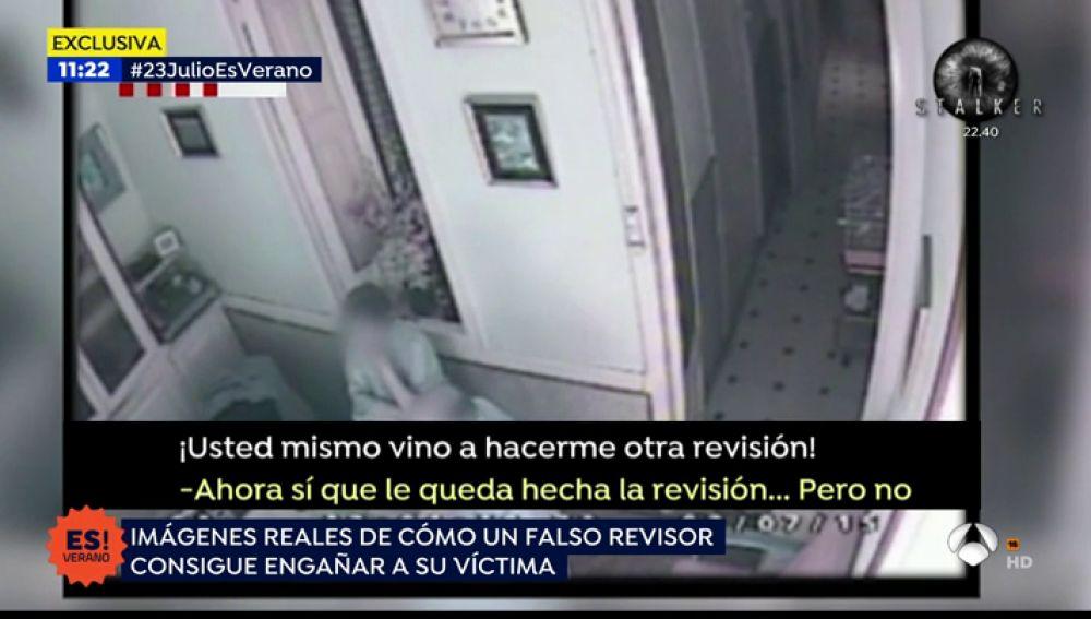 CÁMARA OCULTA | Así estafan los falsos revisores del gas a dos ancianos en su casa de Barcelona