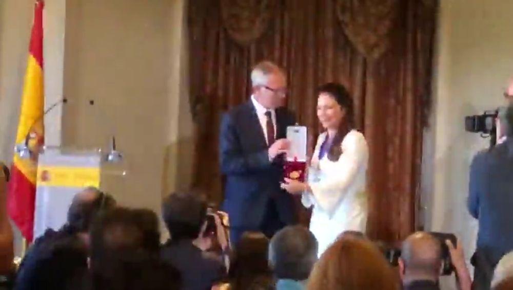 Gloria Estefan recibe en Madrid la Medalla de las Bellas Artes
