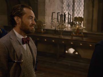 Dumbledore y un joven Newt