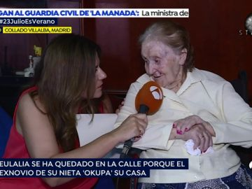 El drama de Eulalia, una anciana de 98 años que encuentra su casa 'okupada' al regresar del hospital