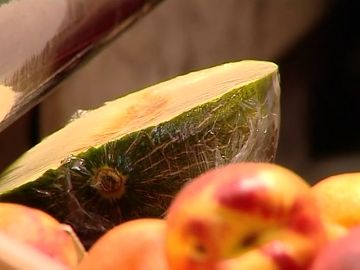 El precio de la fruta de dispara y sube tres veces más que el IPC
