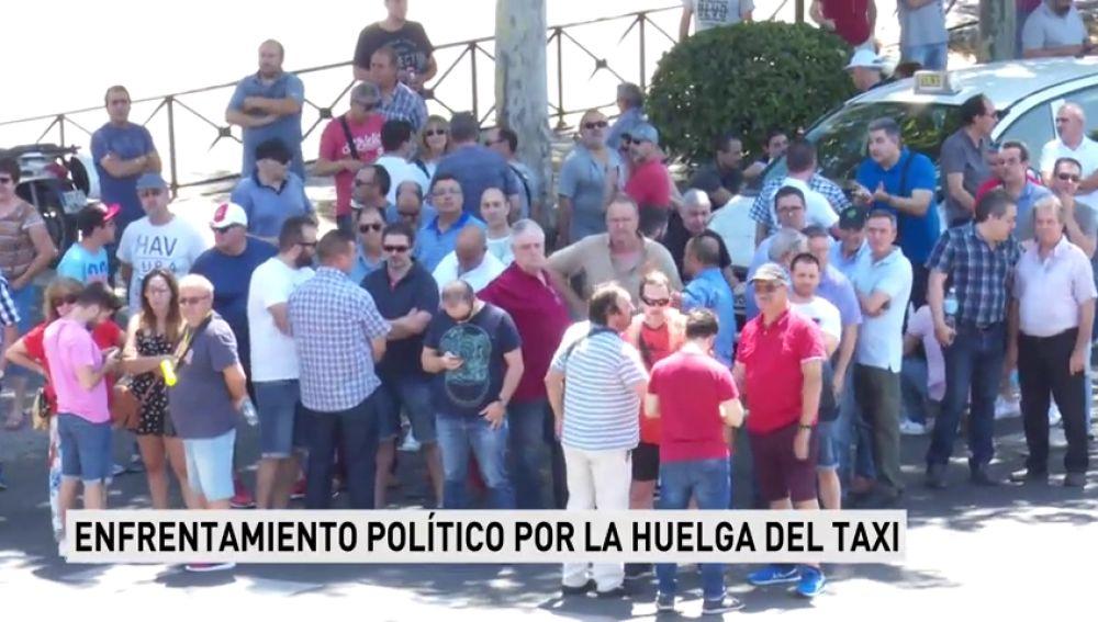 Partido Popular y Ciudadanos acusan al Gobierno de ser responsable de la huelga del taxi