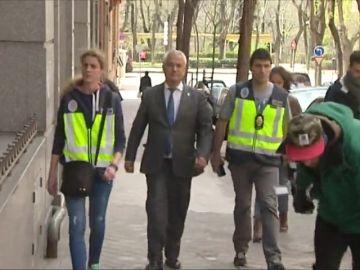 El juez abre juicio oral contra los líderes de Ausbanc y Manos Limpias por extorsiones como la del caso Nóos