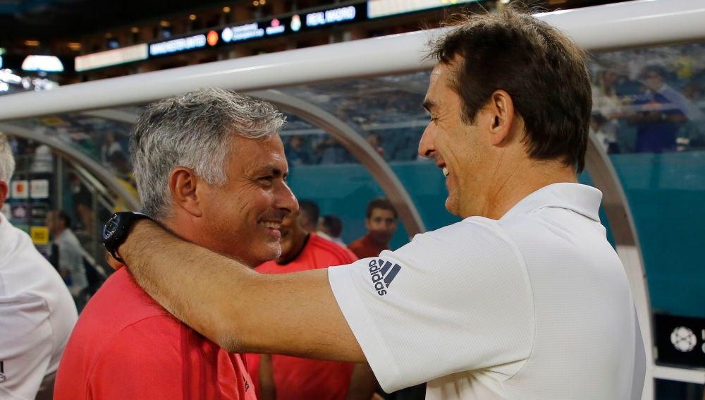 Mourinho y Lopetegui se saludan antes de su duelo en pretemporada