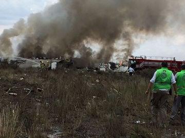 Restos del avión con pasajeros de la aerolínea Aeroméxico que se estrelló