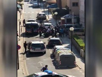 Enfrentamiento entre policías y manteros en Salou, Tarragona
